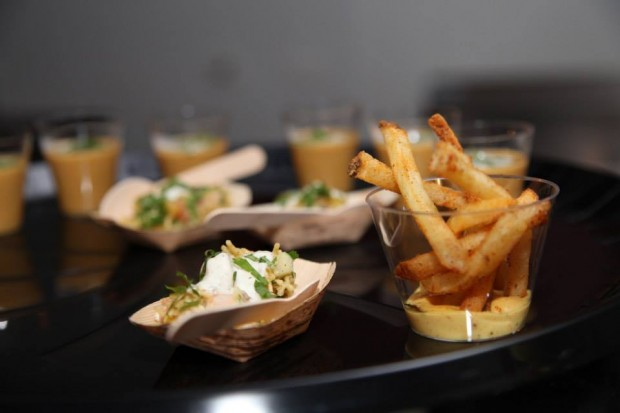 curry fries at deo veritas fitting event