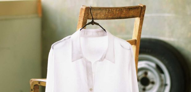 How to naturally hang dry your dress shirt