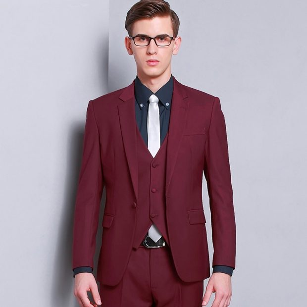 Narrow lapel jacket with closed collar