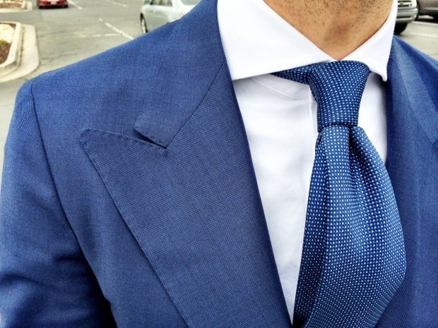 Jacket with wider lapel for spread collars