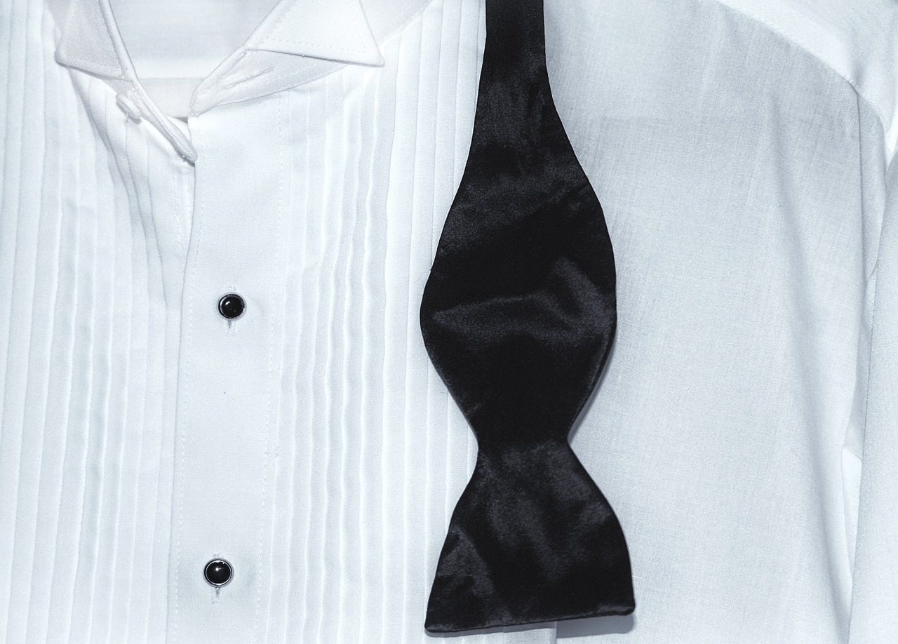 A guide to tuxedo shirts and styles unfused deo for Tuxedo shirt no studs
